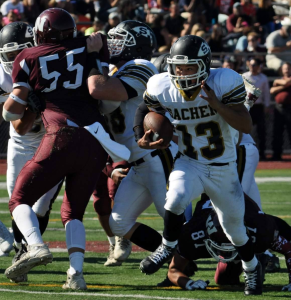 Alezandro Aponte rushed for a career-high 31 carries, 199 yards and 4 touchdowns. / Credit Diana Phelan